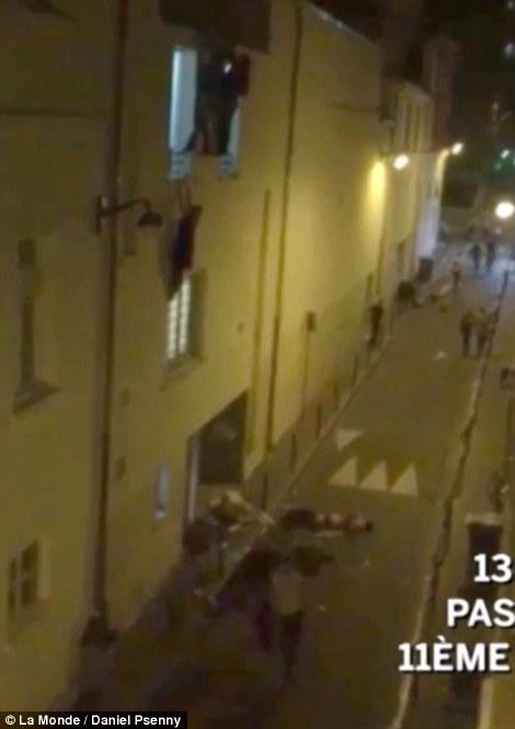 صور و فيديو مجزرة المسرح في باريس