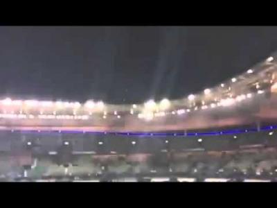 بالفيديو كيف تم إخلاء الرئيس الفرنسي من الملعب بعد الانفجارات بثوان