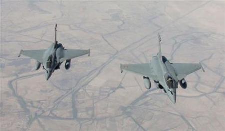 بالفيديو طائرات المقاتلة الفرنسية أقلعت من الأردن لضرب داعش