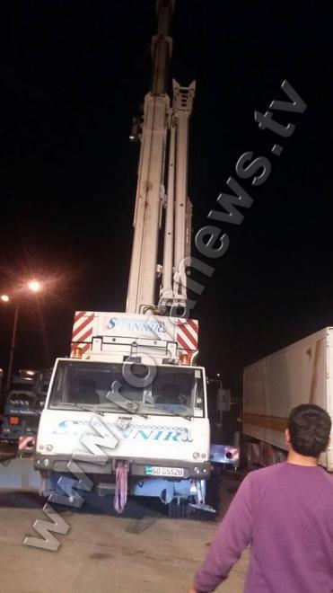 بالصور نقل 19 حاوية ألعاب نارية من جمرك عمان اليكم السبب
