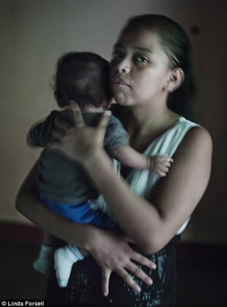 أطفال ينجبون أطفالا في جواتيمالا شاهد الصور حمل المراهقات