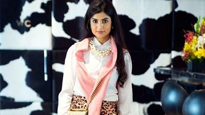 بالصور حسناء فلسطينية تلهب دبي بجمالها وأناقتها على إنستغرام ب177 ألف متابع