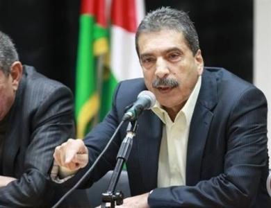 تركيا تحتجز اللواء الفلسطيني توفيق الطيراوي وتعيده إلى الأردن