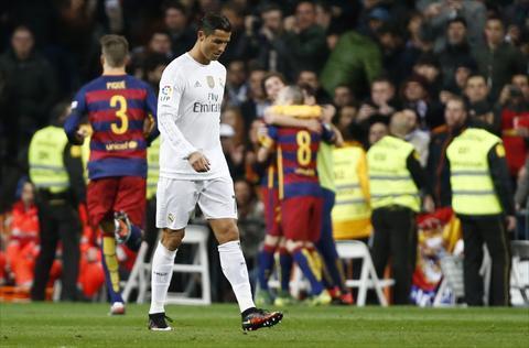 شاهد صور برشلونة يتخطى ريال مدريد برباعية في الكلاسيكو