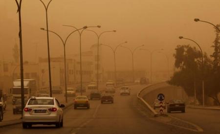 تحذير غبار وأمطار محتملة الاحد 22-11-2015