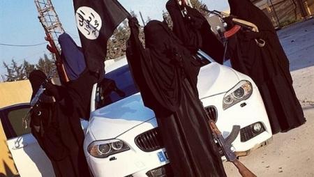 تنظيم داعش يمنع الجينز للجنسين و السبب لن تتوقعه