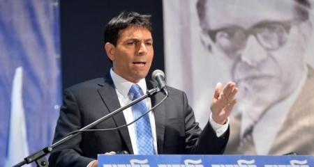 وزير اسرائيلي يطالب بترحيل عائلات منفذي العمليات الى الأردن