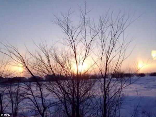بالفيديو والصور ظهور ثلاث شموس في سماء روسيا