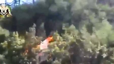 بالفيديو لحظة أسر أحد طياري الطائرة الروسية التي أسقطت على الحدود السورية التركية