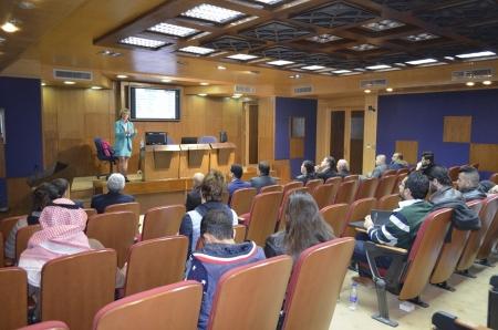 محاضرة عن تأثير التكنولوجيا في جامعة عمان الأهلية