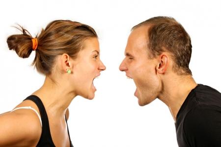 عبارات لا تقوليها لزوجك كي لا تخسريه
