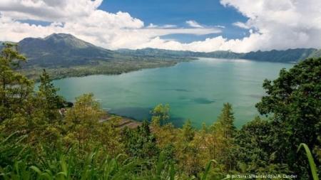 جبل الجنس في إندونيسيا ولماذا يمارسون الجنس مع غرباء