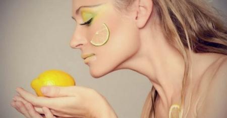 وصفة الليمون والطحين لتبييض ونضرة البشرة