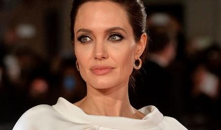 معلومات مثيرة عن انجلينا جولي يجهلها كثيرون