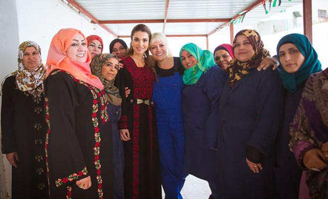 الملكة رانيا العبدالله تزور جمعية بصمة خير في بلدة علان محافظة البلقاء