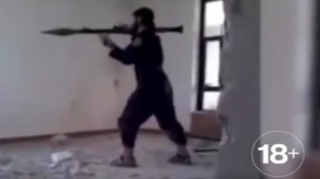 فيديو داعشي يفجر نفسه قاذفة صواريخ آر بي جي