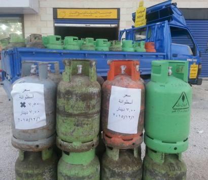 صاحب وكالة غاز يرفض قرار الحكومة رفع اسعار الغاز وثبت السعر 7 دنانير