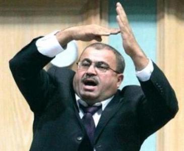 النائب خليل عطية طلب من النسور التراجع عن قرار رفع رسوم ترخيص المركبات