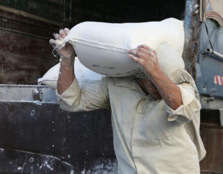 رفع أسعار الطحين الموحد في الأردن لن يؤثر على سعر الخبز
