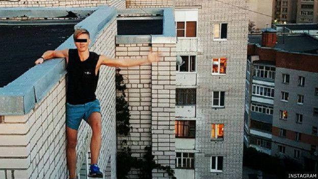 اغرب صور سلفي السقوط من المباني الشاهقة ,سيلفي أمام الثيران
