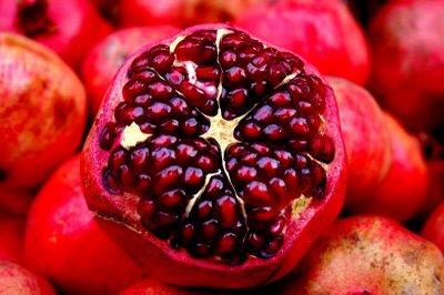 فاكهة الرمان تحمي من الإصابة بمرض الزهايمر