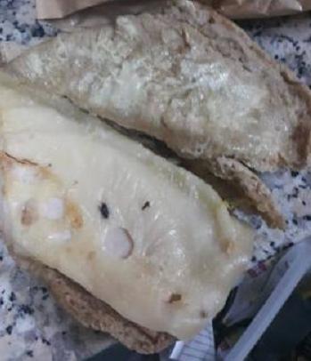 الاستهتار بصحة المواطن الاردني مستمر وجبات بنكهة الذباب شاهد الصور