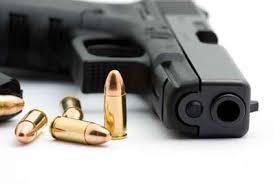 تهمة القتل لمطلق النار على عشريني خلال مشاجرة في القويرة