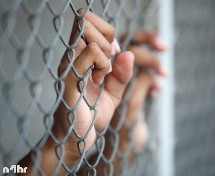 شاهد مصرية تعذب ابنها حتى الموت في منطقة روض الفرج شمال القاهرة
