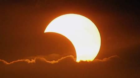 دعاء كسوف الشمس - أدعية صلاة الكسوف - كيفية صلاة الكسوف وعدد ركعاتها