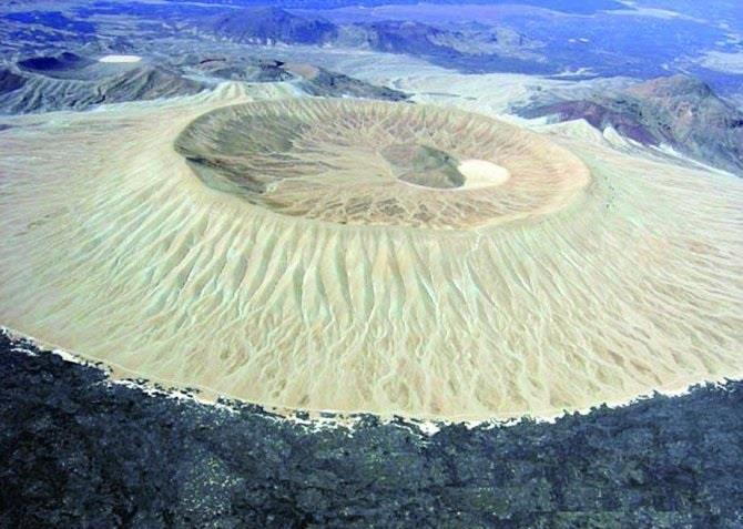 الهيئة العامة للسياحة تحويل آخر معلم بركاني خامد في المدينة المنورة إلى منتزه
