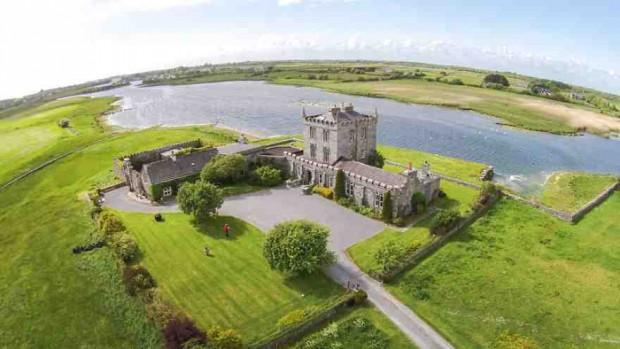 صور المناظر الطبيعية الجميلة في أيرلندا بواسطة طائرة دون طيار