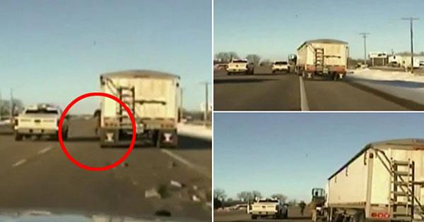 بالفيديو شرطي أمريكي شجاع يمنع حدوث كارثة على طريق سريعة