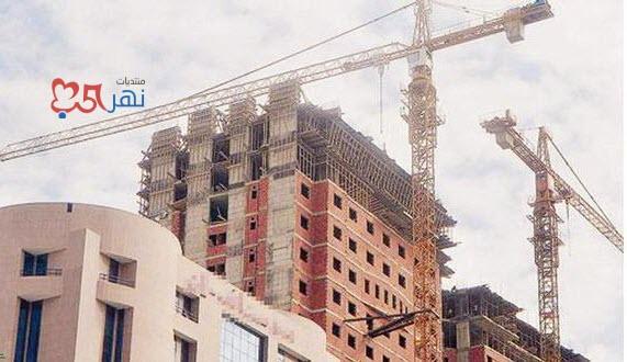 شاهد سقوط رافعة عملاقة داخل حرم جامعة الملك عبد العزيز