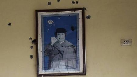 القذافي مسيح إفريقيا , شاهد القذافي في عيون أفارقة