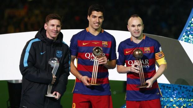 لويس سواريز افضل لاعب في كأس العالم للأندية لعام 2015 و ينال الكرة الذهبية وميسي الفضية