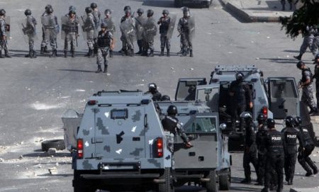 تفاصيل مشاجرة الزرقاء الجماعية يوم الاثنين 21-12-2015 الأمن الأردني يطوق المنطقة