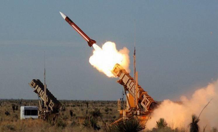 القوات المسلحة السعودية تتصدى لصاروخ أطلقه الحوثيون باتجاه منطقة عسير