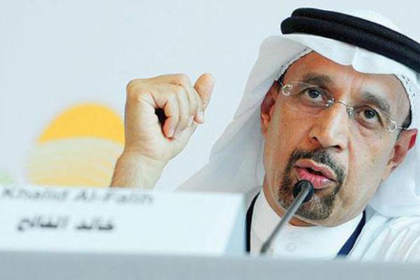 شجاعة الوزير خالد الفالح واعترافه بالتقصير مغردون يقدرون واخرون يطالبون باستقالته