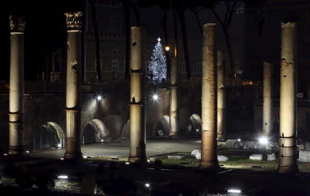 صور أضواء الكريسماس في تبليسي عاصمة جورجيا