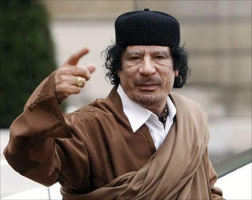 شاهد وصايا القذافي لاحفاده قبل مقتله , وصايا القذافي للشعب الليبي كلمات تحمل تحذيرات