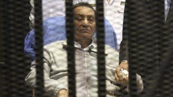 رفض استخراج جثة الرئيس المصري حسني مبارك مع العلم أنه على قيد الحياة