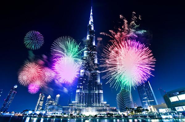 صور بانورامية متحركة GIF للألعاب النارية في برج خليفة , بالصور احتفالات رأس السنة لهذا العام