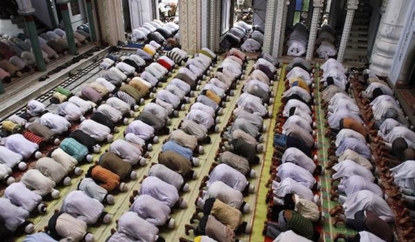 بسبب استراحة الصلاة مصنع أمريكي يطرد 150 عامل مسلم