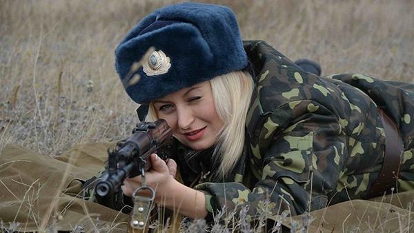 صور نساء روسيا في العسكرية , المرأة الروسية في الحرب , بالصور حسناوات روسيات في الجيش