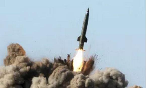 اخبار اليمن الخميس 27-3-1437 انفجار صاروخ بالستي فوق صنعاء