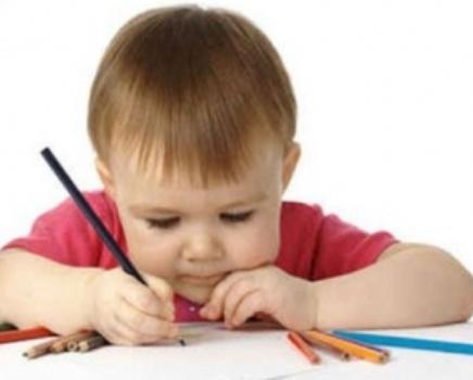 تعليم مسك القلم للطفل , طريقة تعليم الطفل الكتابة , طريقة تعليم الطفل الرسم