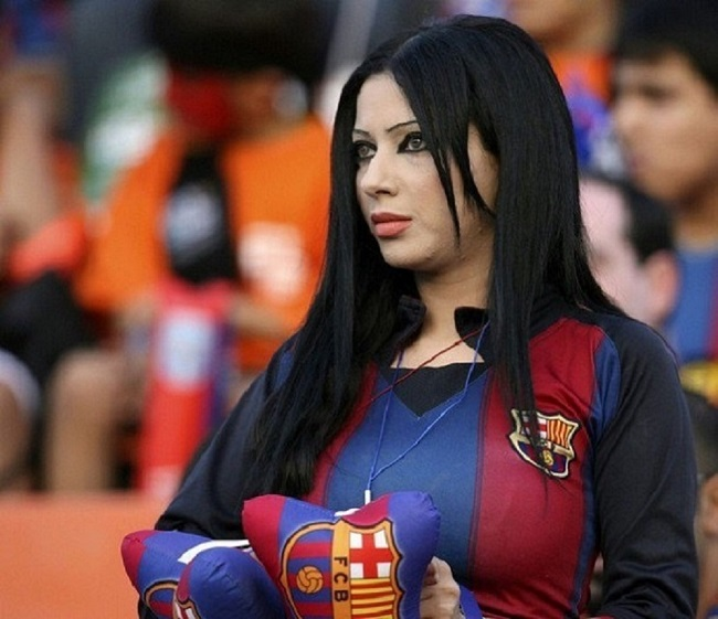 صور لمشجعات برشلونة , بنات تشجع برشلونه , احلى بنات البرشا