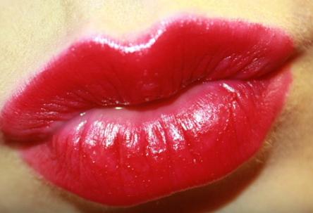 صوت قبلة , صوت بوسة mp3