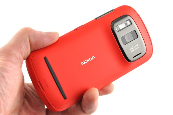 Nokia 808 PureView ��� ���� �� ����� ����� Symbian