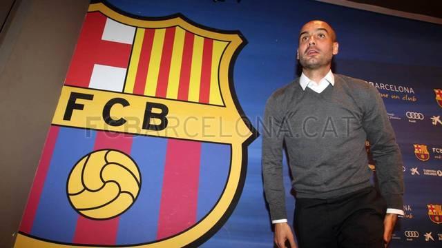 صور رحيل بيب غوارديولا عن برشلونة 27/4/2012 , وداعاً يابيب , صور الندوة الصحفية لبيب